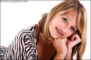http://img205.imagevenue.com/loc335/th_201037637_Dionne_010_002_122_335lo.jpg