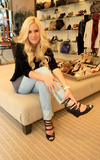 Heidi Montag shops at Elyse Walker Pacific Palisades - Pacific Palisades, California, USA - 2/10/09 - 11MQs