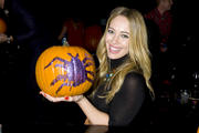 http://img205.imagevenue.com/loc436/th_721450848_Hilary_Duff_attends_2013_Just_Jared_Halloween_Party8_122_436lo.jpg
