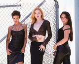 http://img205.imagevenue.com/loc471/th_32977_Rose_McGowan_Charmed_Mix_19_122_471lo.jpg