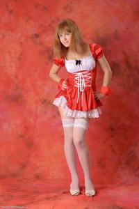 http://img205.imagevenue.com/loc531/th_829215844_tduid300163_Silver_Sandrinya_maid_2_003_122_531lo.JPG