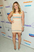 http://img205.imagevenue.com/loc597/th_050743527_Hilary_Duff_Annual_March_of_Dimes_Celebration_of_Babies9_122_597lo.jpg