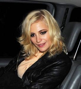http://img205.imagevenue.com/loc600/th_978820480_Pixie_Lott_Leaving_the_Rose_Club_in_London_September_16_2012_21_122_600lo.jpg
