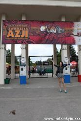 [HotKinkyJo] Public prolapse in Wroclaw Zoo